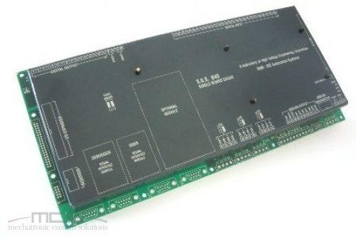 Protezione in plastica piegata per elettronica