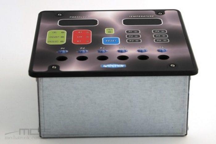 Contenitore per elettronica da pannello