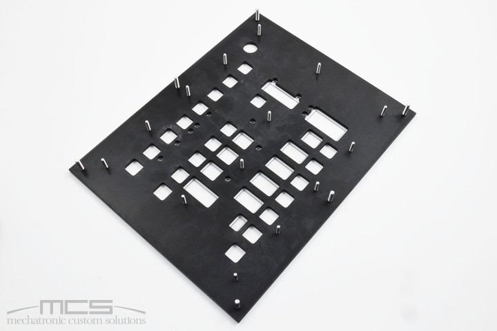 Pannello per elettronica con tastiera