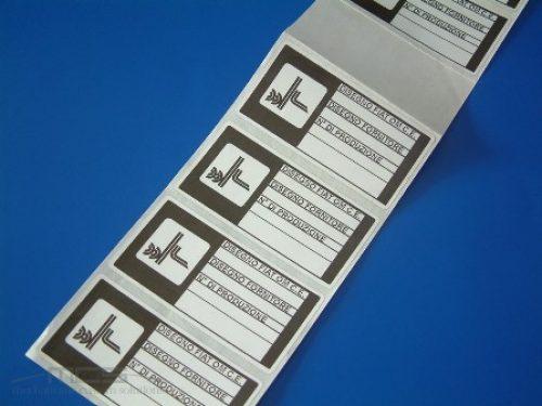 Etichetta in Poliestere Fustellata