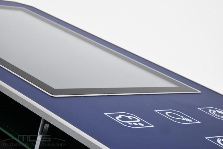 Tastiera a membrana con supporto display