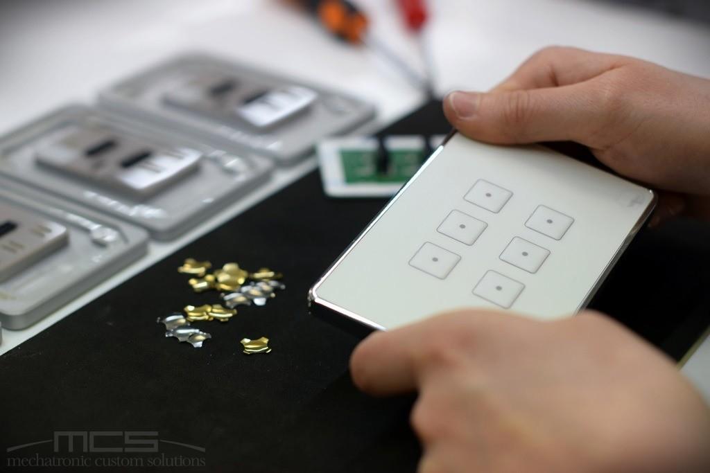 Dettaglio assemblaggio tastiere