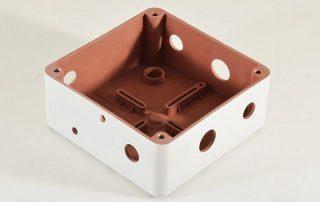 Vernice conduttiva al rame per la schermatira elettromagnetica di contenitori in plastica - 1