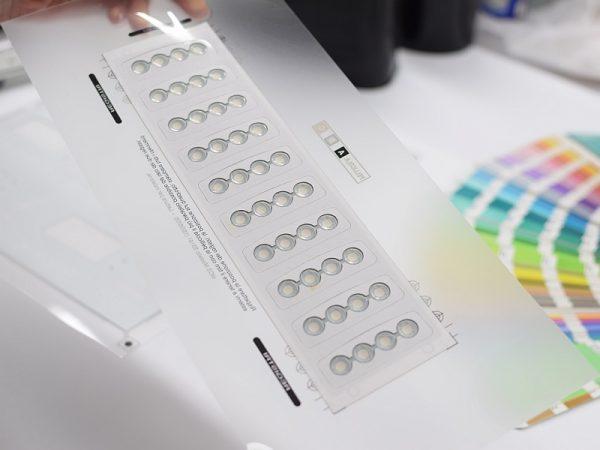 Tastiere a membrana con PolyDome - produzione